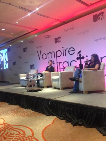 File:2015-05-02 Vampire Attraction Paul Wesley 06.jpg