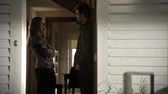 File:TVD2x03-Gilbert House 2.jpg