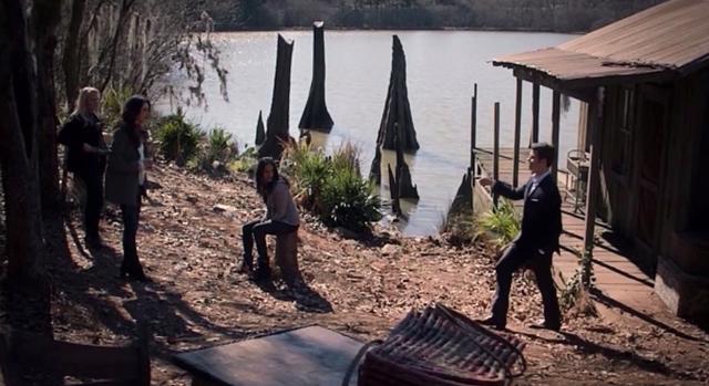 File:Eve-Hayley-Celeste-Elijah 1x15.png