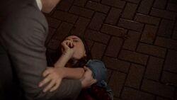 Elijah saves Hayley 1x13