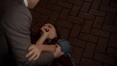 File:Elijah saves Hayley 1x13.jpg