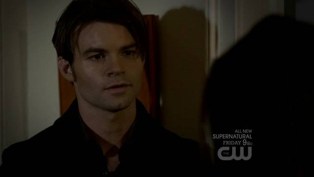 File:The-Vampire-Diaries-2x11-By-The-Light-Of-The-Moon-Elijah-Cap mid.jpg
