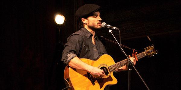 File:Michael-Malarkey-performing-live-wh.jpg