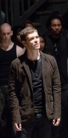 File:1x7 Klaus Mikaelson Bloodletting.png