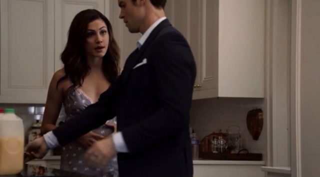 File:Hayley and Elijah 1x6.png