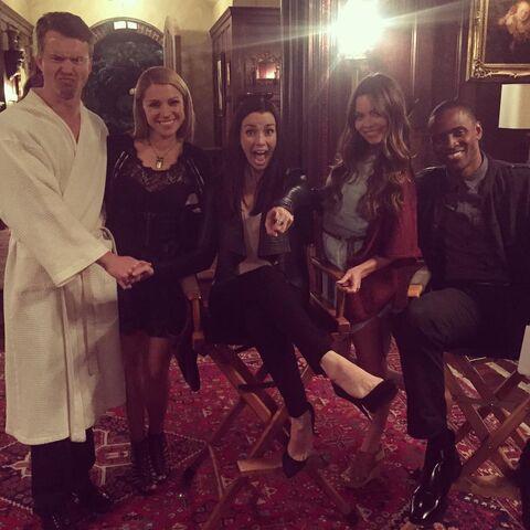File:2015-11-04 Todd Lasance Teressa Liane Scarlett Byrne Jaiden Kaine Annie Wersching Instagram.jpg