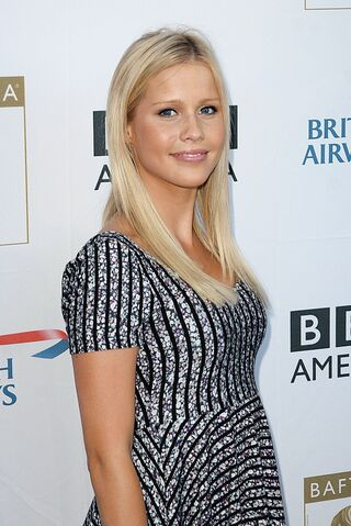 File:936full-claire-holt.jpg