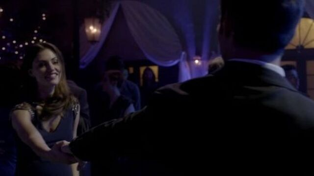 File:Haylijah dance 1x17.jpg
