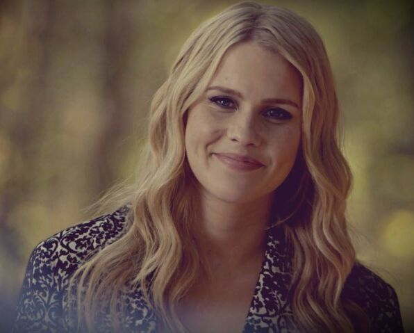 File:Rebekah5x11.jpg