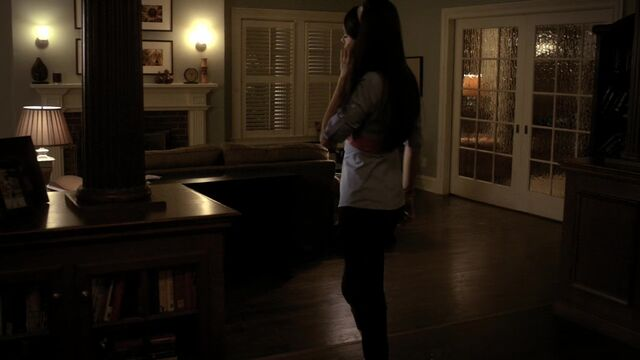 File:TVD1x12-Gilbert House 11.jpg