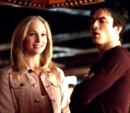 File:Caroline and Damon 5x12.jpg