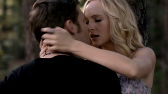 File:Klaus Mikaelso and Caroline forbes in episode 100.png