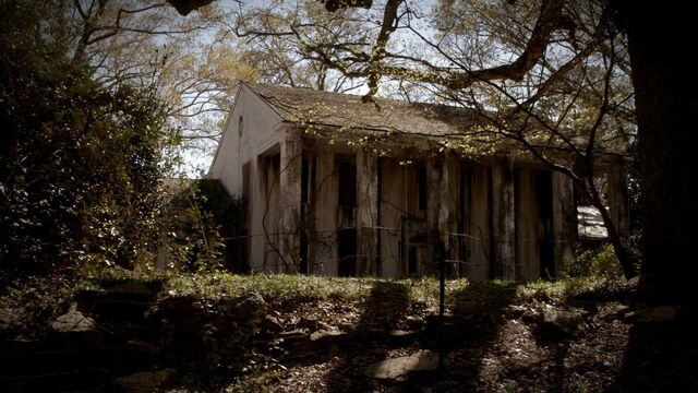 File:Witch house.jpg