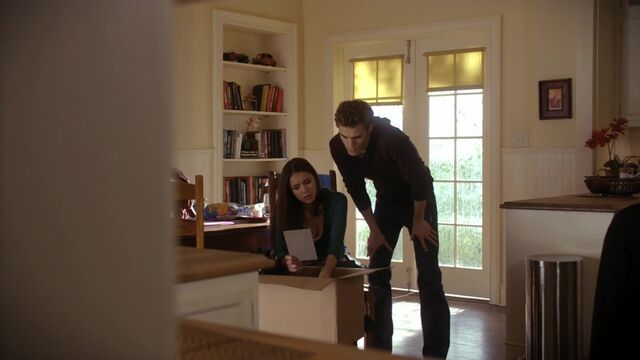File:TVD1x13-Gilbert House 63.jpg