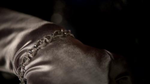 File:Bracelet gift for Klaus.png
