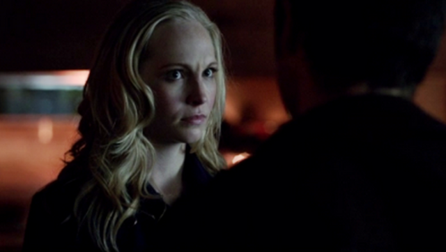 File:Caroline is mad with Enzo 5x17.png