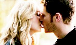 Klaus and Caroline kiss,,