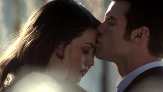 File:Hayley and Elijah 1x15..png