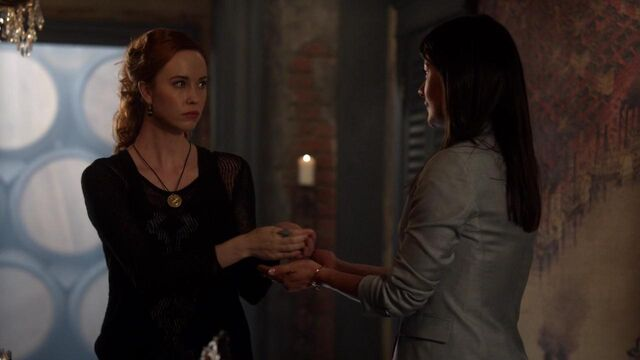 File:The Originals S01E21 mkv1699.jpg