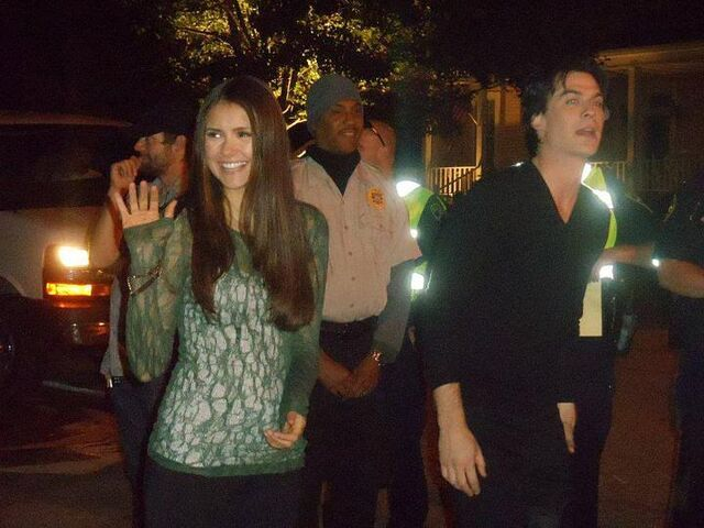 File:Nian-on-Set-of-The-Vampire-Diaries-ian-somerhalder-and-nina-dobrev-26988015-720-540.jpg