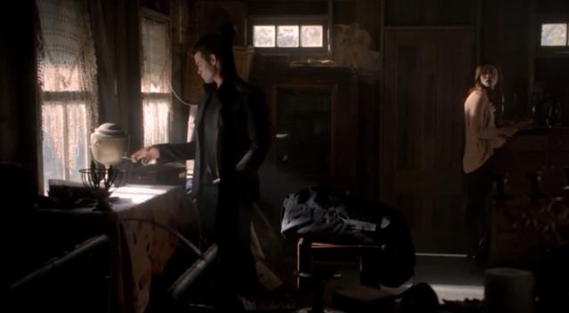 File:Elijah-Hayley-1x7-.png