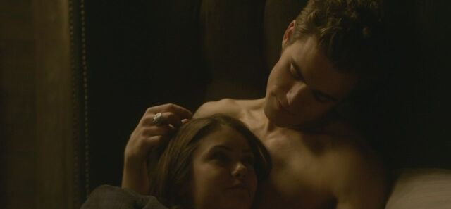 File:1x10-The-Turning-Point-the-vampire-diaries-tv-show-9123450-1280-720.jpg