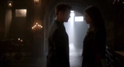 Elijah and Hayley in 2x02