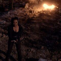 Bonnie tries to kill Klaus