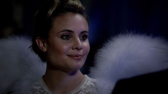 File:Camille 8 TO 1x03.jpg