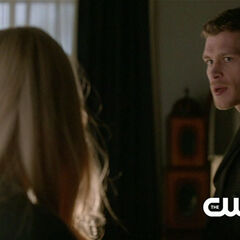 Klaus in Rebekah's house