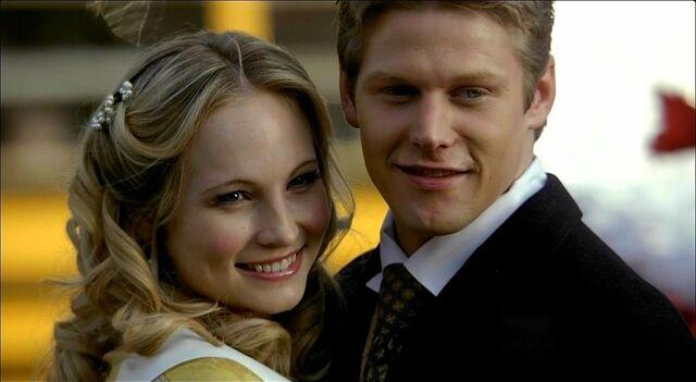 File:Caroline and Matt.jpg