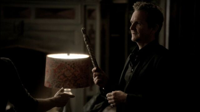 File:TVD-3x09-Homecoming-sebastian-roche-26843296-1280-720-1-.jpg