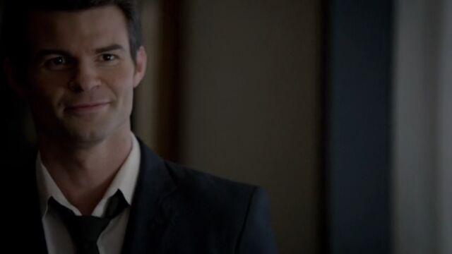 File:Elijah 12 TO 1x05.jpg
