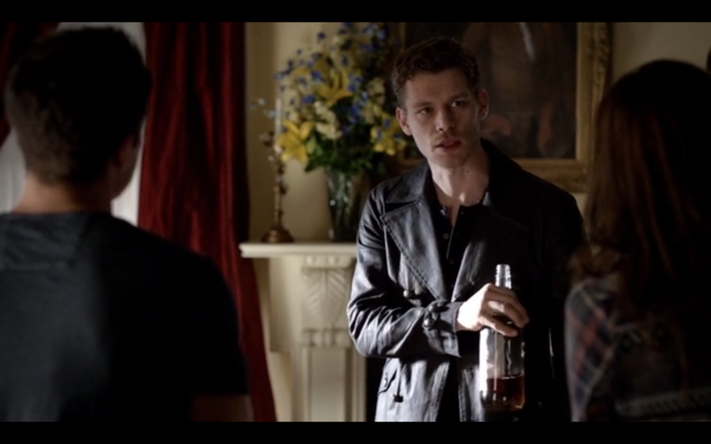 File:4x06-Lockwood Mansion.png