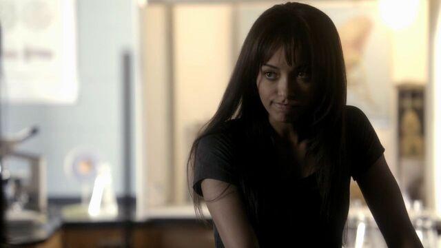File:Bonnie - 1x21-2.jpg