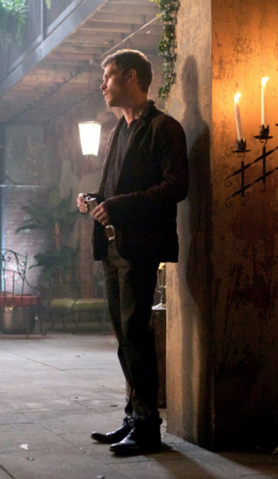File:1x9 Klaus Mikaelson Reigning Pain in New Orleans.png