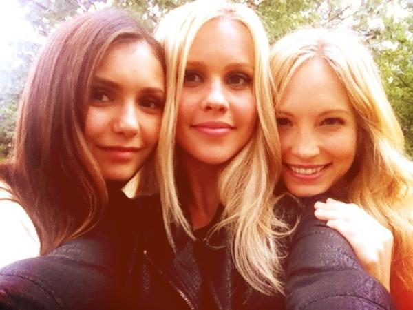 File:New-Twitter-pic-Candice-with-Claire-Nina-candice-accola-31740742-600-450.jpg