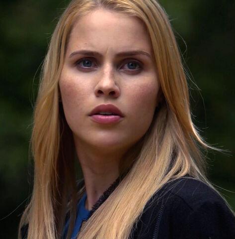 File:TO 208 Rebekah 1.jpg