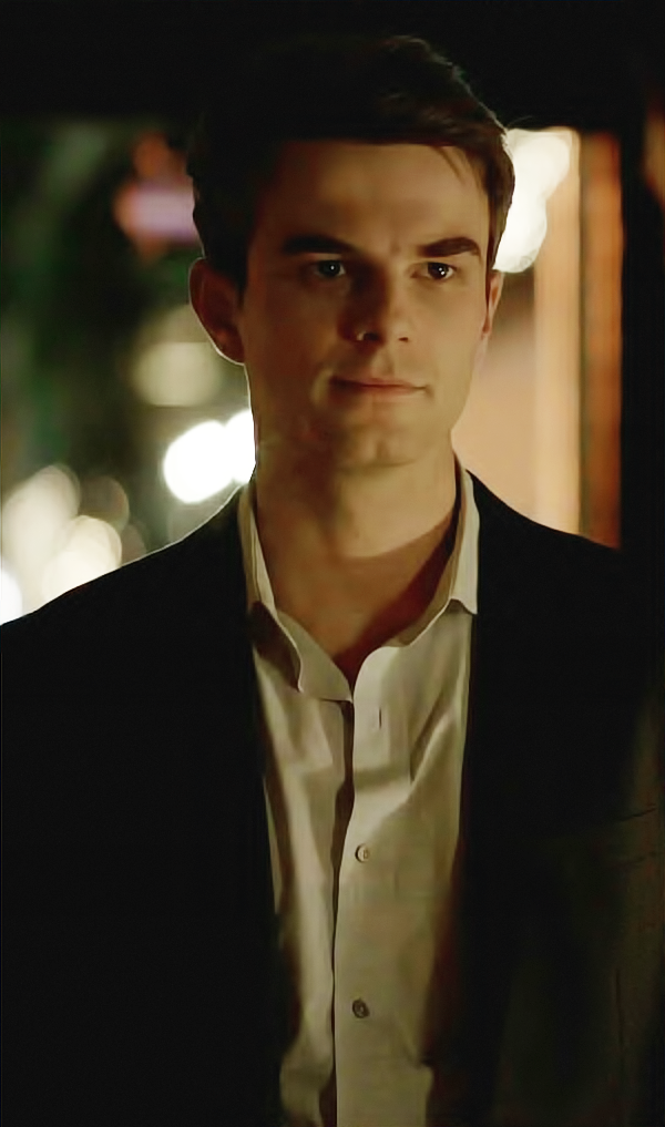 Kol mikaelson actor