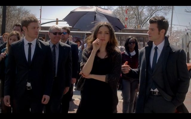 File:1x20-Father Kieran's Funeral.png