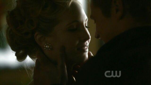 File:Caroline-matt-kiss.jpg