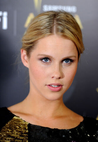 File:Claire+Holt+Australian+Academy+Cinema+Television+moO2lOh8Pm7l.jpg