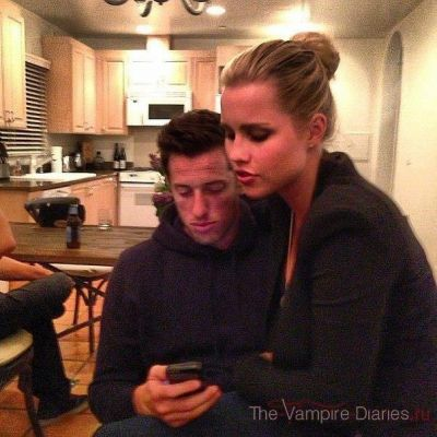 File:Claire and her boyfriend.jpg
