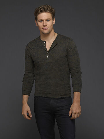 File:Zach-roerig-promo-pic-the-vampire-diaries-cast-are-seriously-sexy-in-new-season-6-promo-photos.jpeg