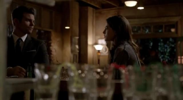 File:Elijah-Hayley 2x19.png