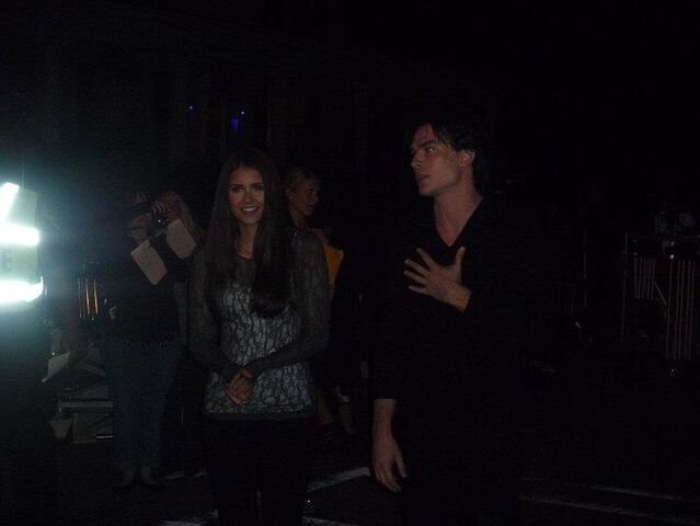 File:Nian-on-Set-of-The-Vampire-Diaries-ian-somerhalder-and-nina-dobrev-26988018-750-563.jpg
