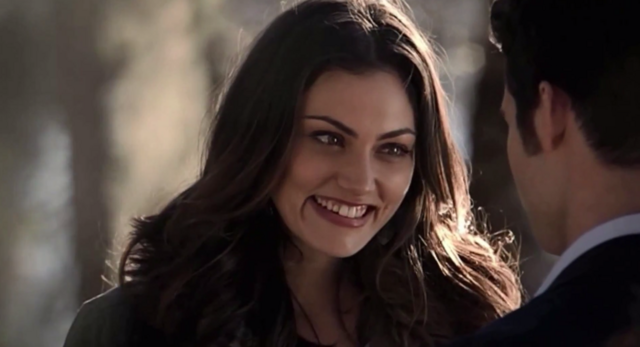 File:Hayley smiling with Elijah 1.15.png