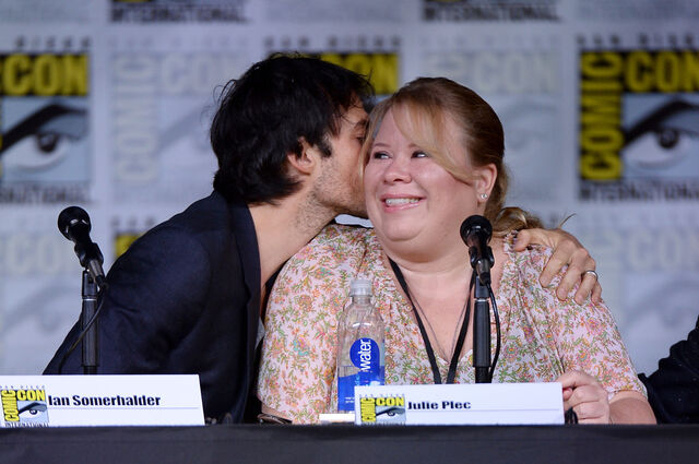 File:2016-07-23 SDCC Panel Ian Somerhalder Julie Plec.jpg