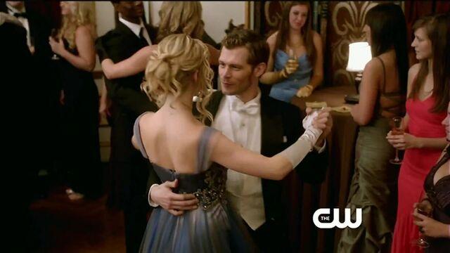 File:Klaus and Caroline.jpg