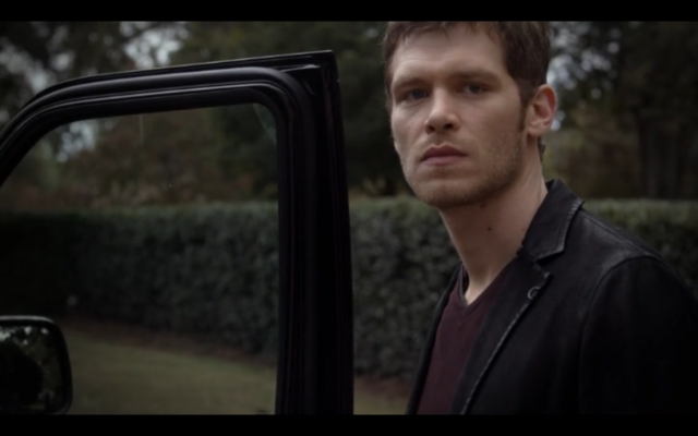 File:1x08-Klaus wants Hayley to go with him 2.png